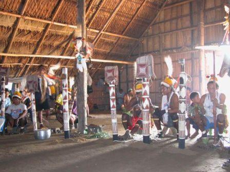 La Consulta Previa con Pueblos Indigenas y Comunidades Afrodecendientes en Colombia