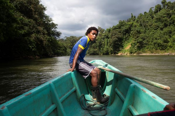 Video: El Territorio de Vida de Playa de Oro en Ecuador